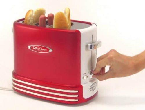 La machine à hot dog, une machine destinée à la préparation de hot dog Il est clair que le domaine de la restauration et de la gastronomie est un domaine qui connaît l'utilisation d'une variété différente des machines destinées pour assurer la préparation et la cuisson de vos différents types d'aliments. Et pour ce cas tout particulier, il est commun de voir que pour la préparation des aliments comme le hot dog, il existe une machine adaptée et appropriée qui assure amplement la cuisson de ces hot dog. En effet, la machine à hot dog est cette machine électrique qui assure tout principalement la cuisson de hot dog. Et dans un sens large, il est aussi tout possible de remarquer que cette machine peut également assurer la cuisson d'autres aliments dans votre quotidien. Comment procéder à un choix optimal d'une machine à hot dog? Cependant, il est observé que la machine à hot dog est conçue sous de formes très différentes et surtout variées. Bien le but ultime est celui de la préparation des hot dog. Et dans cette pluralité, il est observé que ces machines présentes des caractéristiques qui, dans une certaine mesure peuvent présenter des points communs d'utilisations malgré certains éléments qui peuvent s'avérer être divergents. Ainsi, dans cet article, vous trouverez toutes les informations en rapport avec les machines à hot dog, les offres promotionnelles et bien d'autres informations supplémentaires. Alors, vous qui recherchez une machine à hot dog destiné pour la préparation de hot dog, il est important avant de poser un choix de telle ou telle autre machine que vous puissiez tout d'abord prendre en compte tous les critères essentielles vous permettant d'opter pour une machine à hot dog particulière. C'est pourquoi, il est impératif de suivre ce lien